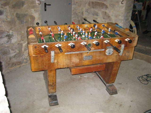 Tischfußball im Keller